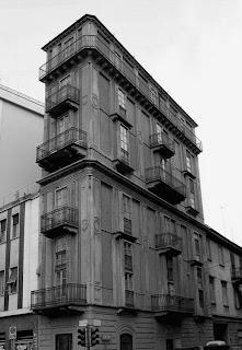 Архитектура Турина, сумасшедший Антонелли