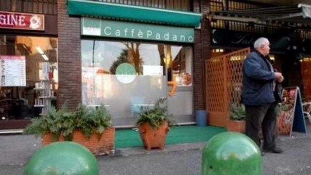Лега Норд открывает бар только для итальянцев с севера страны