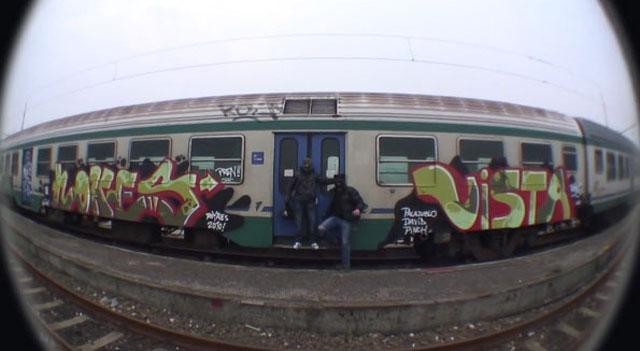 Граффити на железнодорожных вагонах в Италии Турин