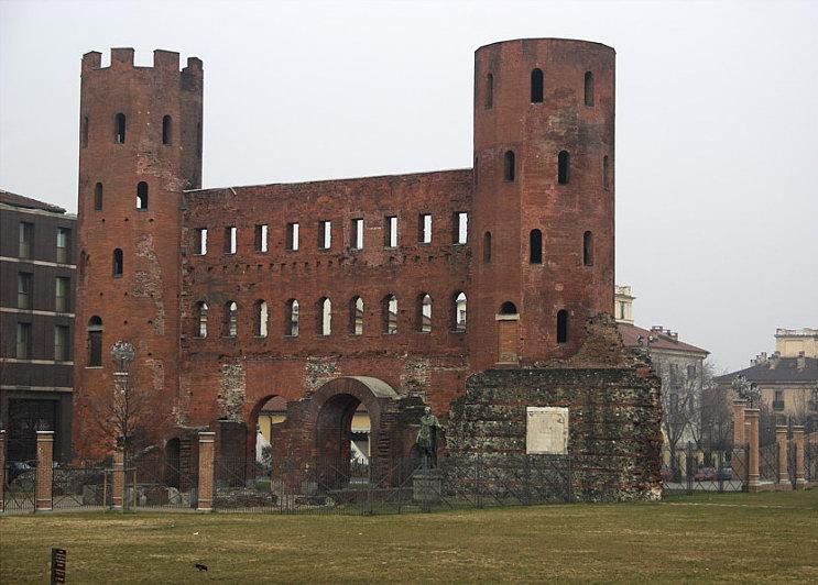 Эзотерическое места башни Палатинские ворота - Ворота Порта Палатина