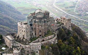 Монастыри и дворцы Турина
