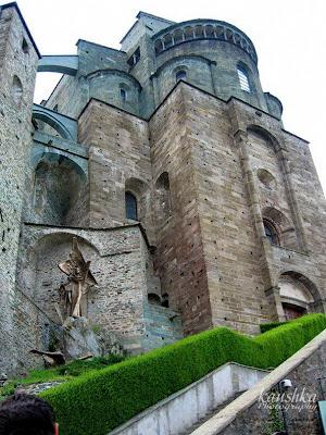 Вход в монастырь святого Михаила