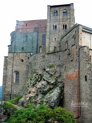 Монастырь с другой стороны