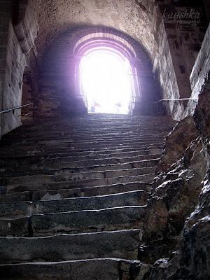 Лестница мертвых в монастыре Михаила