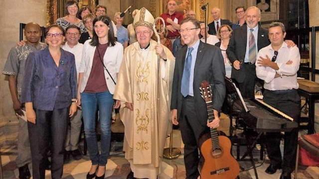 Туринский архиепископ приветствует верующих разных культур