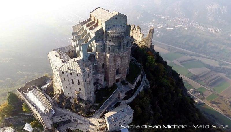 Аббатство святого Михаила возле Турина монастырь