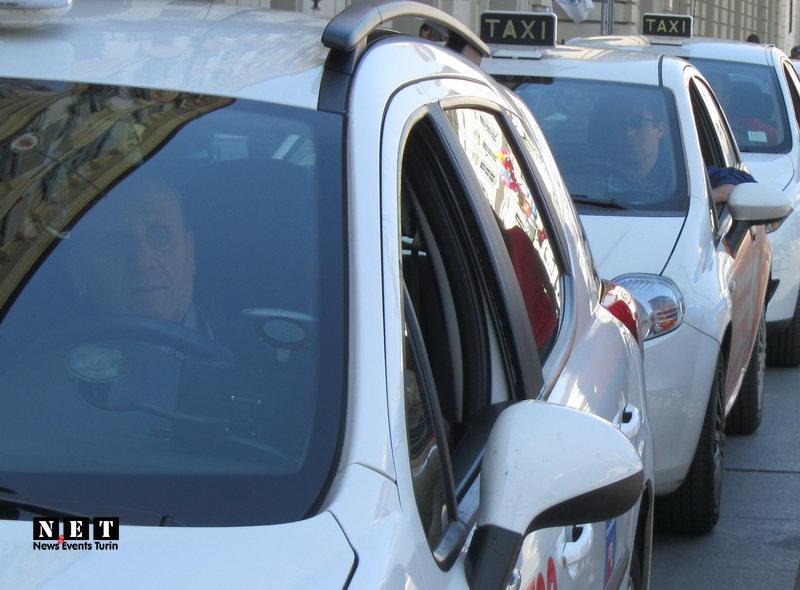 Забастовка таксистов в Италии Турин