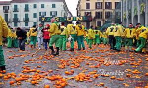 Битва апельсинами Турин Италия