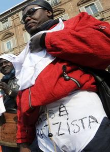 Расистский налог в Италии День Трусов в Турине