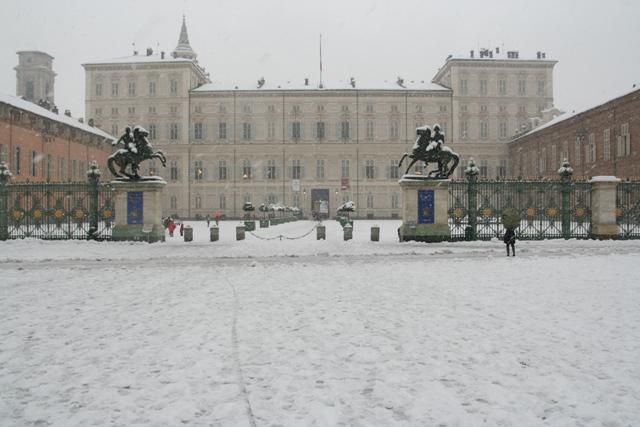 palazzo reale turin sneg