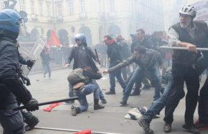Cтычки с полицией 1 мая в Турине Видео и фото