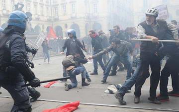 Италия стычки с полицией Турин