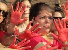 """""""MI MANIFESTO!"""" – Синьоры Росси против мусорной мафии в Турине."""