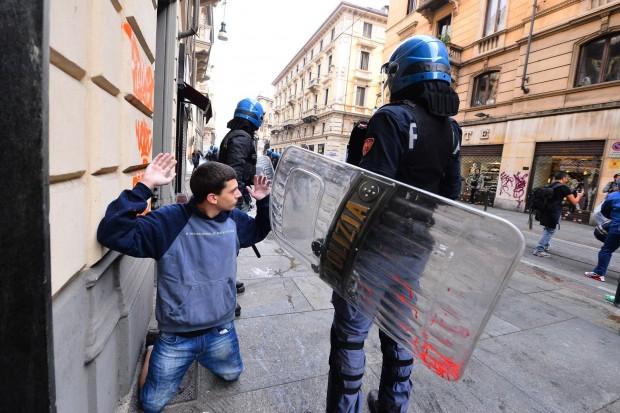 Стычки итальянской полиции Турина и студентов