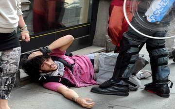 Турин стычки полиция и студентов