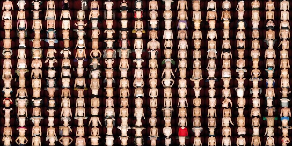 Сотни итальянок сфотографировали свою грудь что бы обратить внимание на проблему