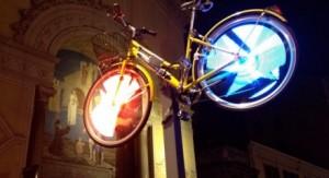 Художественные огни Турина на велосипедах
