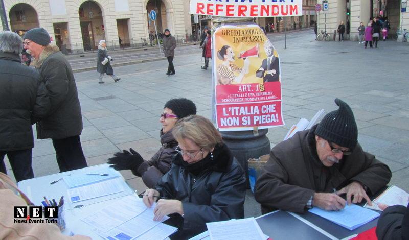 Итальянские коммунисты собирают подписи на референдум