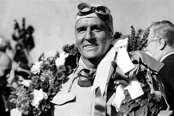 Знаменитый гонщик из Турина Нино Фарина