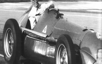 Итальянский гонщик Нино Фарина