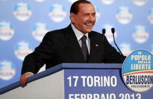 Берлускони в Турине, недовольные поклонники ждут в коридорах