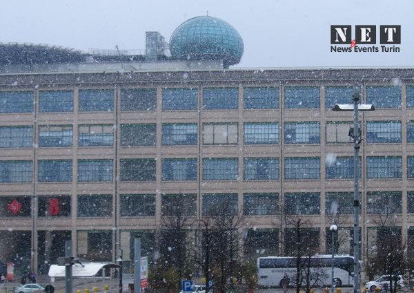 В Турине выпал крупный снег, узнать погоду в городе Турин