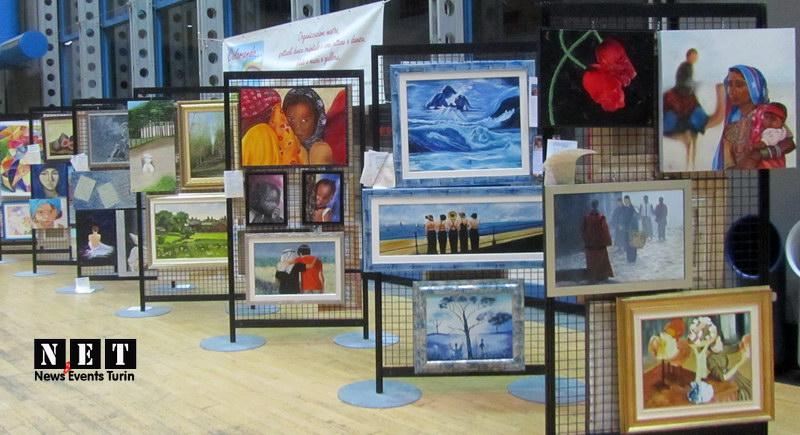 Картинная галерея на выставке ярмарке в Турине