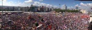 Турин солидарен с площадью Таксим Турция