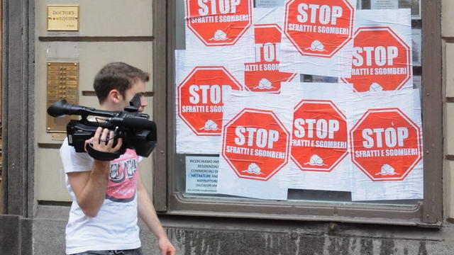 Италия выселение из жилья и спекуляции, марш в Турине за право на жилье манифестация Турин