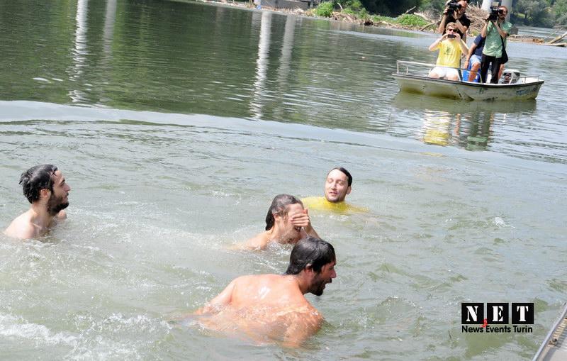 Bagno nel Po Torino 2013