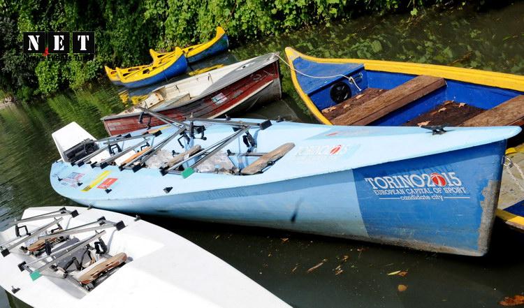 Лодки на реке По в Турине Пьемонт