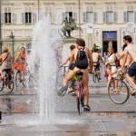 Велопробег нудистов Италия Турин.
