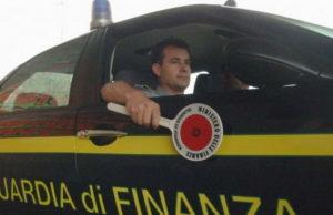 Нелегалы Италии в багажнике машины Турин