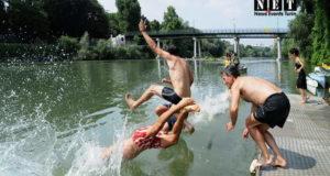 Big Jump - купание в реке По в Турине.