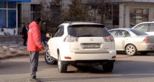 Нелегальные парковщики Италии - Вымогатели на автостоянках в Турине
