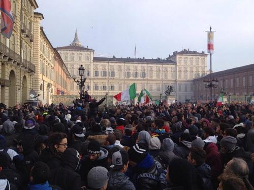 Протесты Forconi в Турине Италия