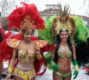 Красавица бразильянки на карнавалах в Италии Турин