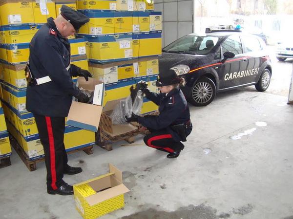 Полиция Турина обнаружила аутлет краденных товаров