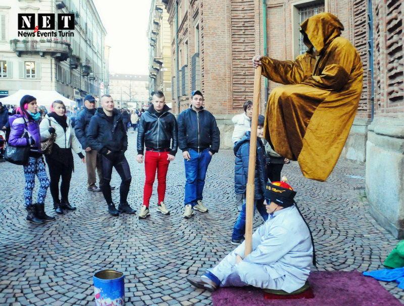 Torino Srtreet Photography левитация йог италия