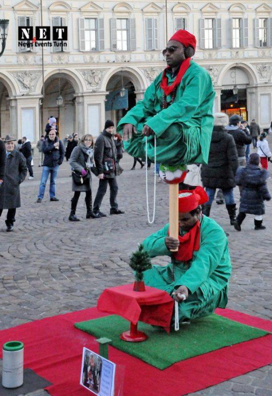 Torino Srtreet Photography индусы йоги Италия
