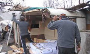 Цыган Турина из трущоб переселяют в квартиры.