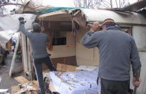 Цыган Турина переселяют в квартиры из трущоб.