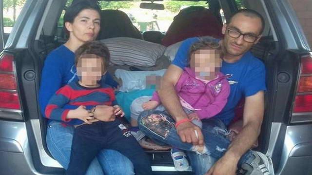 Это не единственная семья итальянцев из Турина живущих в машине.