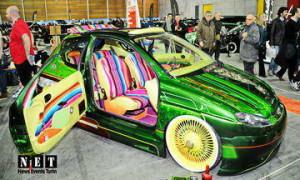 Знаменитая выставка автомобилей в Турине