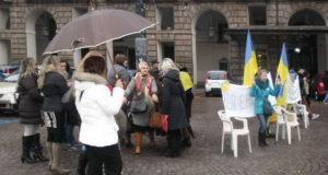 Украинцы в Италии Турине - Митинг в поддержку Украины.