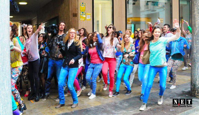 Турин любимый город для рекламы и видеороликов. Reclama Vodafone Torino via Roma