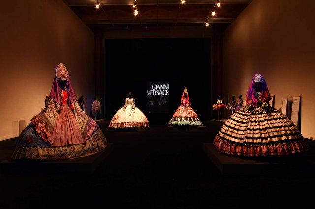 Выставка великих мастеров высокой итальянской моды