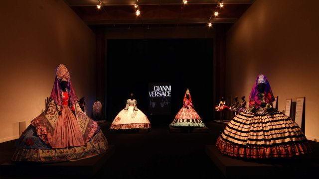 Выставка высокой итальянской моды Большого театра в Турине.