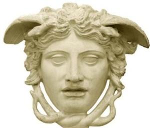 CASTING-per-MODELLE-per-SFILATA-GOLDEN-AGEGIANNI-VERSACE-Private-Collection