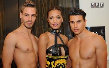 Частная коллекция Gianni Versace на показе мод в Турине.